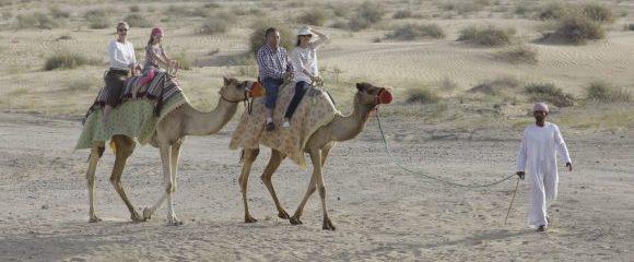 Dubai: Ab in die Wüste