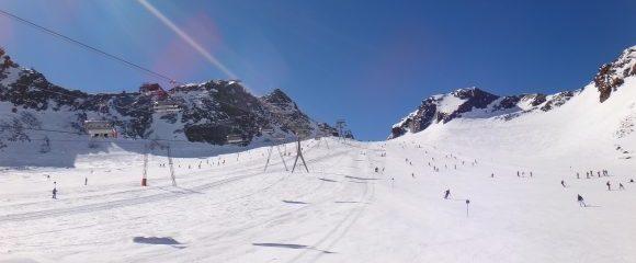 Stubaital: Per Flieger zum Gletscher